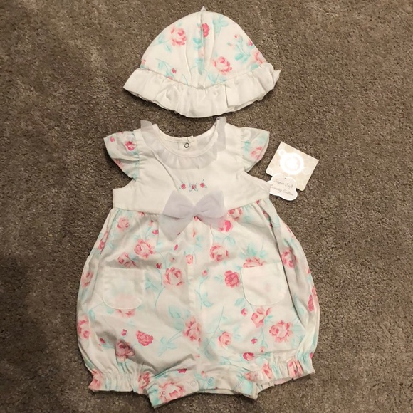 f30377b12 Little Me One Pieces | Nwt White Floral Romper With Hat Size 6m ...